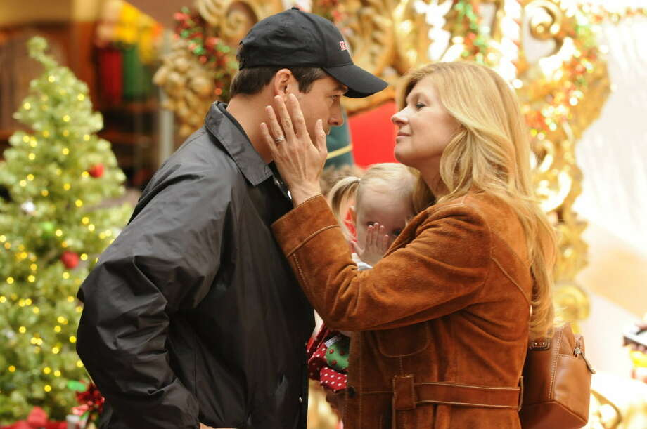 """FRIDAY NIGHT LIGHTS -- """"Always"""" Episode 513 -- Pictured: (l-r) -- Photo by: Bill Records/NBC.... Coach Eric Taylor and his wife Tami (Kyle Chandler and Connie Britton) from """"Friday Night Lights"""" Photo: Bill Records / Episodic"""
