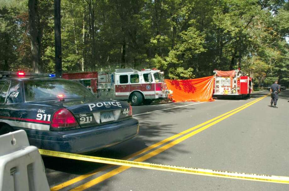 Greenwich, Sept. 14, 2009.  The fatal accident at Lake and Rockwood. Photo: Helen Neafsey / Greenwich Time