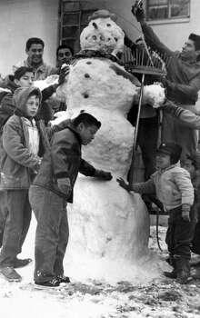 Snowfall in Feb. 22, 1966, in San Antonio.