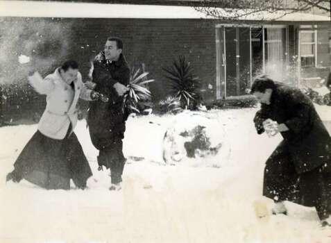 Snowfall on Feb. 22, 1966, in San Antonio.