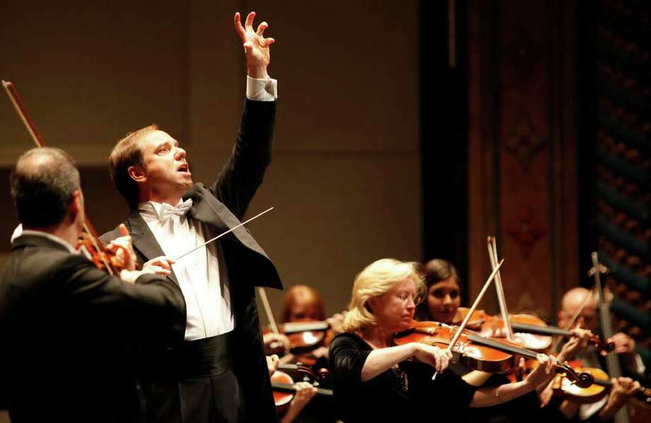 Donors are more interested because of the hiring of Sebastian Lang-Lessing, seen here directing the symphony. Photo: ALICIA WAGNER CALZADA, SPECIAL TO THE EXPRESS-NEWS / Alicia Wagner Calzada