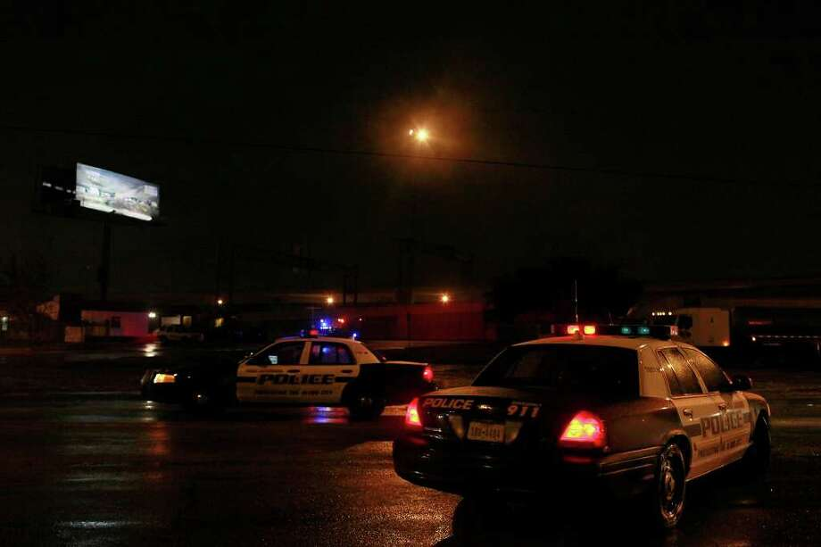 METRO - Police patrol icy roads on Fredericksburg Road near the intersection with I-10 in San Antonio on late Thursday, Feb. 3, 2011. LISA KRANTZ/lkrantz@express-news.net Photo: LISA KRANTZ, SAN ANTONIO EXPRESS-NEWS / SAN ANTONIO EXPRESS-NEWS