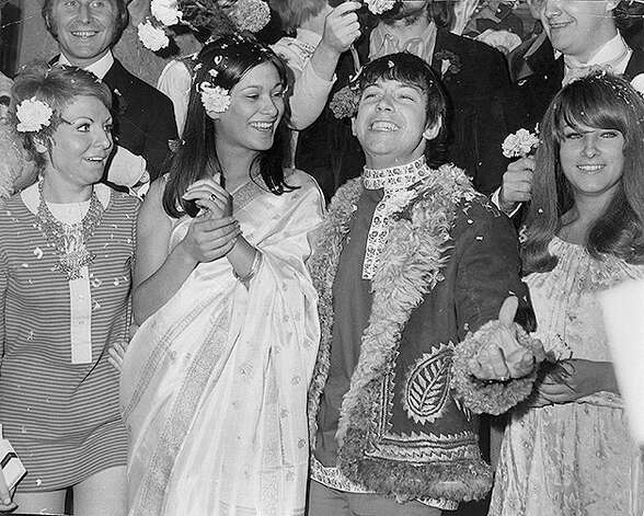 Angela King weds Eric Burdon, singer of British pop group The Animals. Photo: Evening Standard, Getty Images / Getty Images 2011