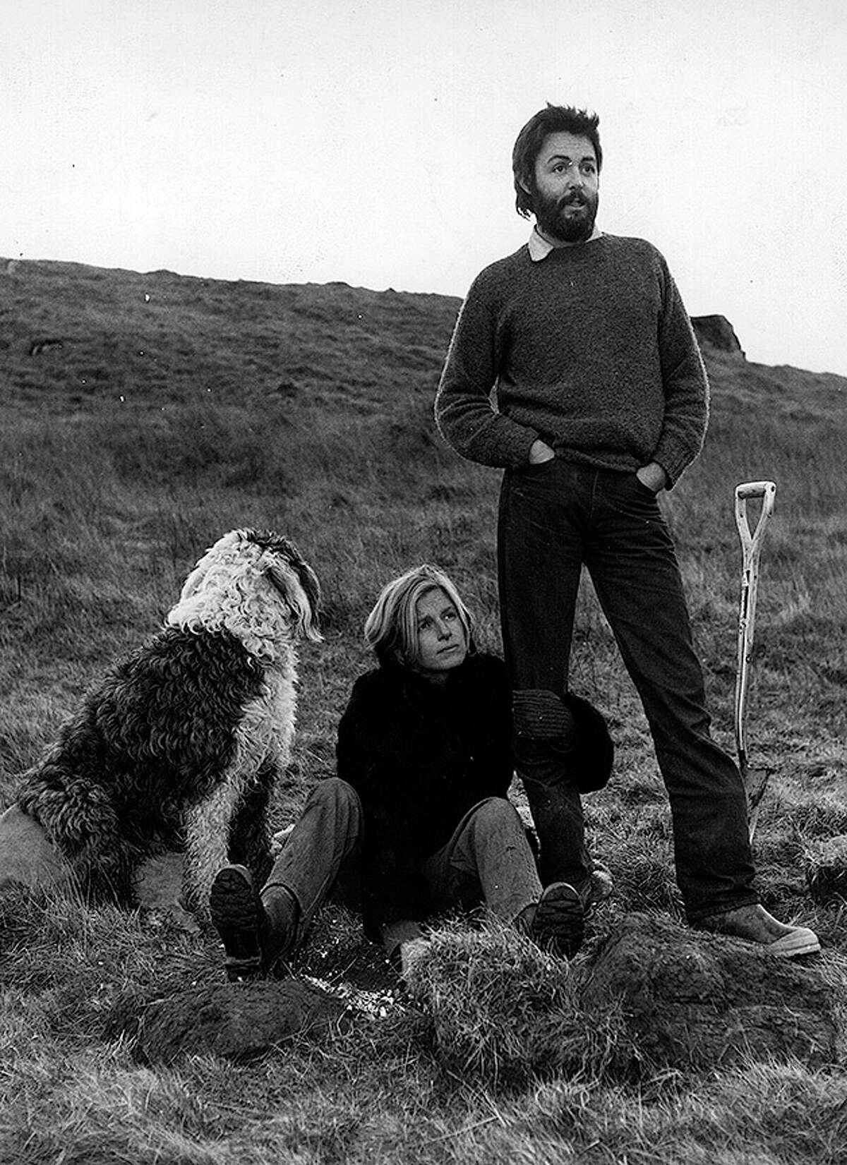 5th January 1970: Paul and Linda McCartney (1941 - 1998) on their lonely farm near the fishing town of Campbeltown, the day after McCartney started High Court proceedings to seal the final break-up of the Beatles. Mirror Syndication International