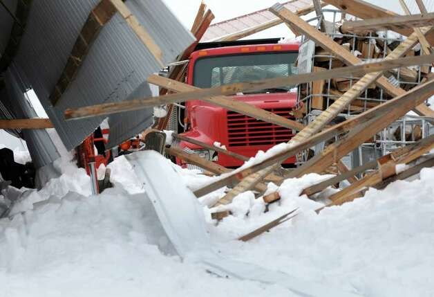 Contractors Busy As Heavy Snow Threatens Roofs Times Union