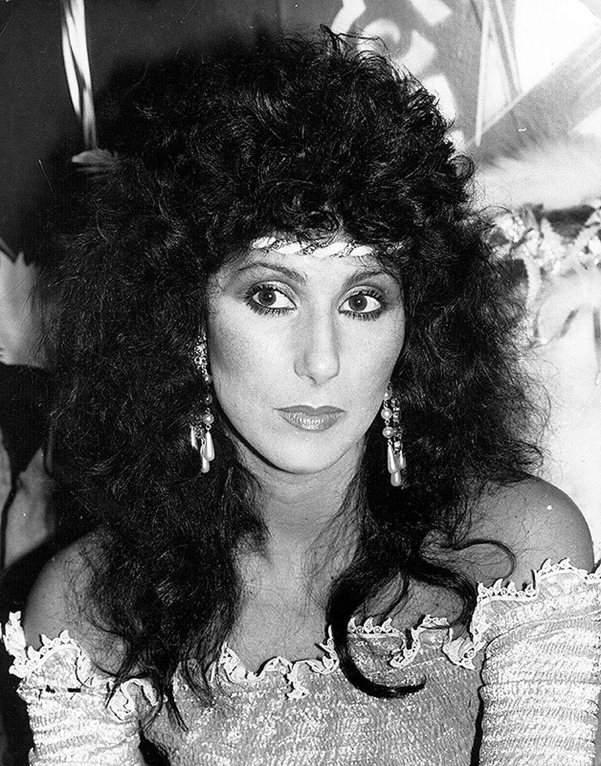 1981: American singer and actress Cher (Cherilyn Sakarsian La Pier).