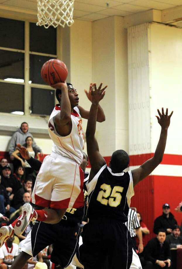 Highlights from boys basketball action between Stratford and Notre Dame of Fairfield in Stratford,Conn. on Thursday February 10, 2011. Photo: Christian Abraham / Connecticut Post