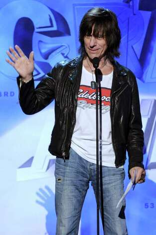 LOS ANGELES, CA - FEBRUARY 13:  Musician Jeff Beck accepts the Best Rock Instrumental Performance Award onstage during The 53rd Annual GRAMMY Awards held at Staples Center on February 13, 2011 in Los Angeles, California.  (Photo by Kevin Winter/Getty Images) *** Local Caption *** Jeff Beck Photo: Kevin Winter, Getty Images / 2011 Getty Images
