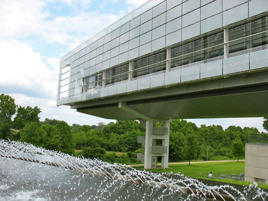 The Clinton Presidential Library and Museum is near the bank of the Arkansas River in Little Rock, Ark. Photo: Betty Luman, Houston Chronicle / © 2012  Houston Chronicle