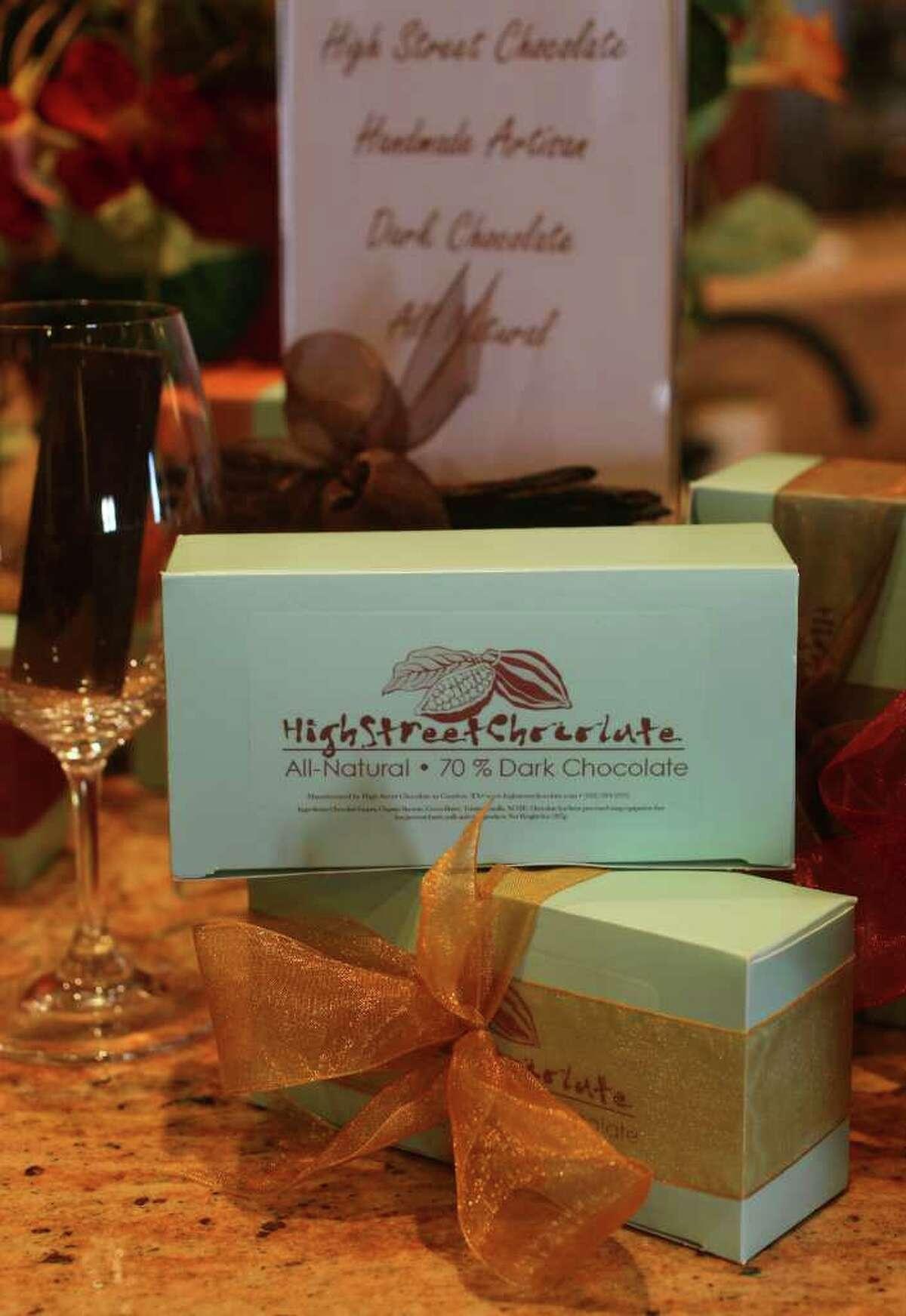 High Street Chocolate comes in five flavors, Tahitian Vanilla, Mandarin, peppermint, lemon and espresso.