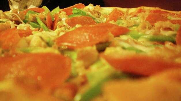Man vs food clams casino pizza