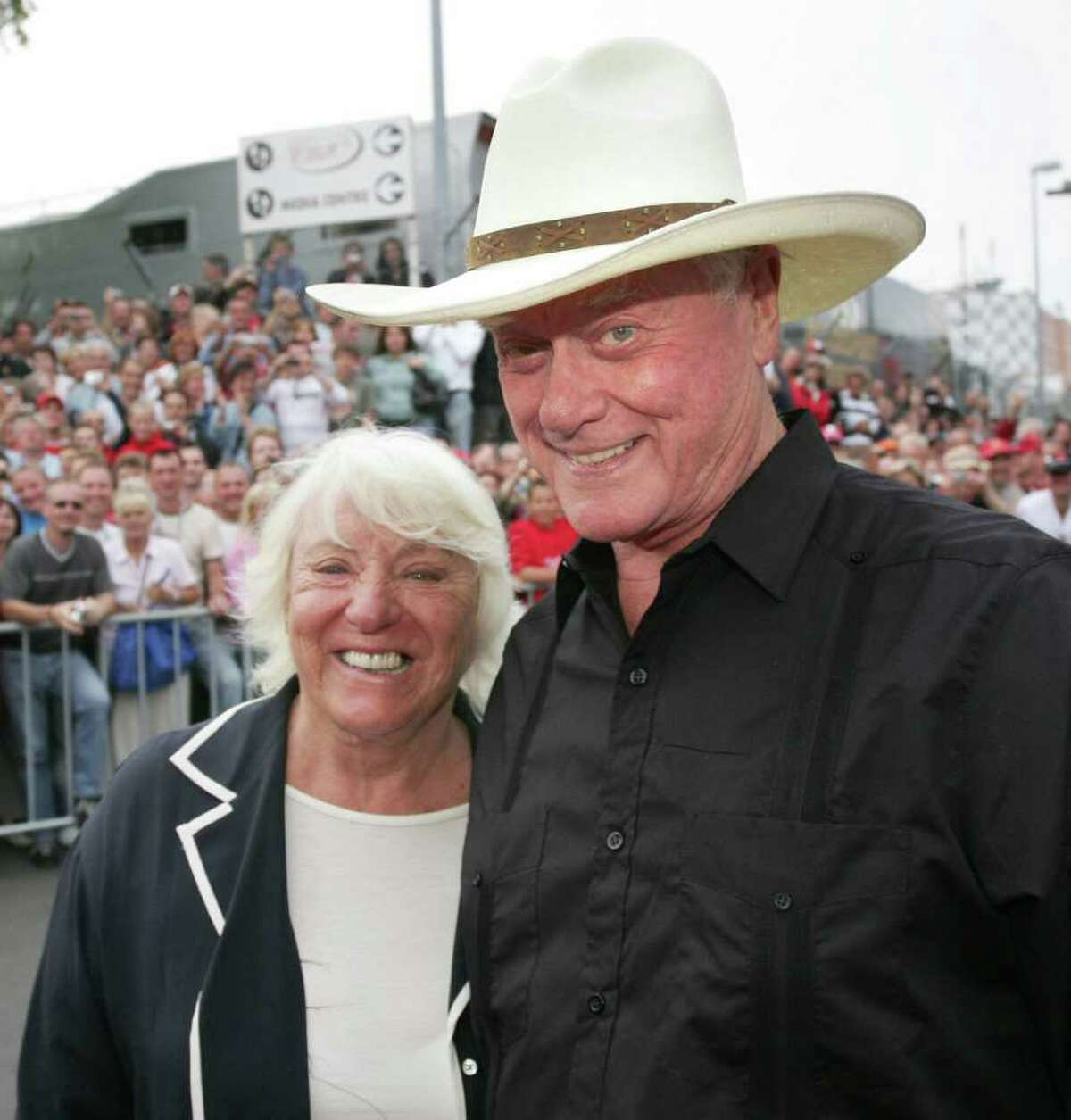 Actor Larry Hagman and his wife Maj attend a Motorsport Charity Gala 21 July 2007 at the Nuerburgring racetrack in Nuerburg, western Germany. AFP PHOTO DDP/KATJA LENZ GERMANY OUT