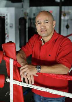 FOR CONEXION COVER:  Jesse James Leija is being inducted into the San Antonio Sports Hall of Fame in February.  Leija is among the most accomplished professional boxers in city history.  HELEN L. MONTOYA/hmontoya@conexionsa.com Photo: HELEN L. MONTOYA, SAN ANTONIO EXPRESS-NEWS / hmontoya@conexionsa.com