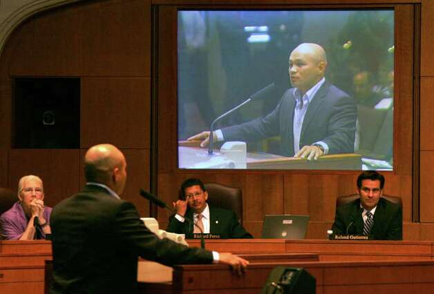 SPORTS -- San Antonio boxer Jesse James Leija before City Council for renaming of San Fernando Gym to Jesse James Leija Gym on Thursday, June 1, 2006. Council members from left are Patti Radle, Richard Perez and Roland Gutierrez. ( JERRY LARA STAFF ) Photo: JERRY LARA, SAN ANTONIO EXPRESS-NEWS / SAN ANTONIO EXPRESS-NEWS