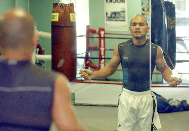 SPORTS  Jesse James Leija works out Tuesday, December 31, 2002 in San Antonio .  Tom Reel/Staff Photo: TOM REEL , SAN ANTONIO EXPRESS-NEWS / SAN ANTONIO EXPRESS-NEWS