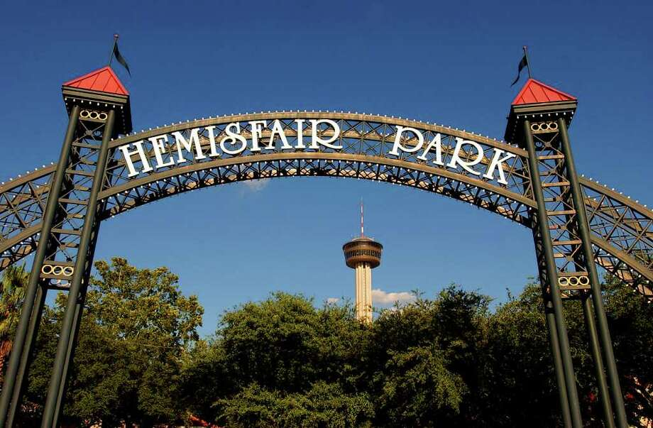 HemisFair Park has been under-utilized since the 1968 fair. Residents need to get involved in the redevelopment process. Photo: EDWARD A. ORNELAS, Edward A. Ornelas/Express-News / SAN ANTONIO EXPRESS-NEWS