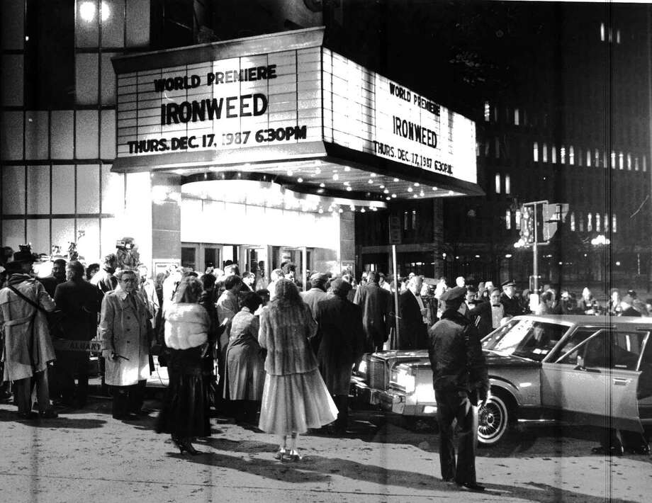 "The crowd arrives for the premiere of ""Ironweed"" at the Palace in Albany, N.Y., on Dec. 17, 1987. GWM."