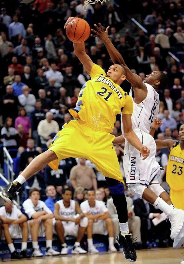 b95e099ad0c UConn vs. Cincinnati  A dash of Big East spice added to NCAA clash ...