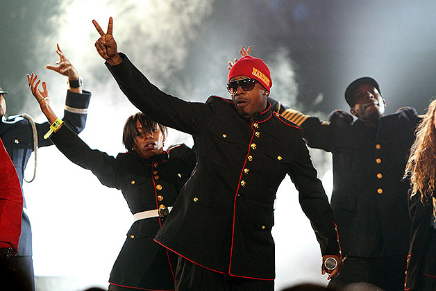 Mc hammer to perform at alive five times union