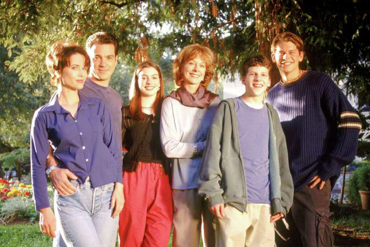 GET REAL:ÊL-R: Debrah Farentino, Jon Tenney, Anne Hathaway, Christina Pickles, Jesse Eisenberg and Eric Olsen. ©1999 FOX BROADCASTING COMPANY CR: GET REAL:ÊL-R: Debrah Farentino, Jon Tenney, Anne Hathaway, Christina Pickles, Jesse Eisenberg and Eric Olsen. ©1999 FOX BROADCASTING COMPANY CR: Carin Baer/FOXGET REAL 59933