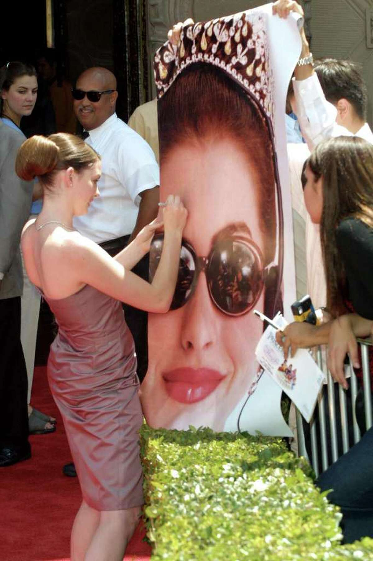 392519 02: Actress Anne Hathaway arrives for the world premiere of
