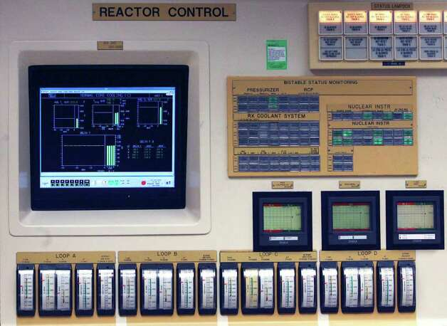 A detail in the control room of Unit 1 at the South Texas Project nuclear plant. Units one and two were built about 30 years ago and units three and four are slated for construction in 2012. JOHN DAVENPORT/jdavenport@express-news.net Photo: JOHN DAVENPORT, SAN ANTONIO EXPRESS-NEWS / jdavenport@express-news.net