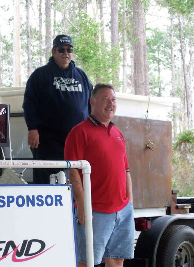 Dwayne Shanks of Jasper Outboard stopped by for the results and addressed the crowd Photo: Jodie Warner
