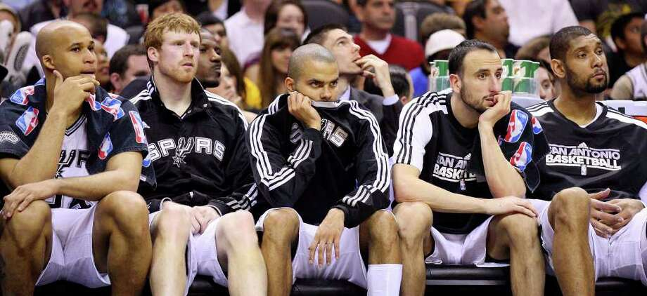 FOR SPORTS - Spurs' Richard Jefferson (from left), Matt Bonner, Tony Parker, Manu Ginobili and Tim Duncan sit dejected on the bench during second half action against the Lakers Sunday March 6, 2011 at the AT&T Center. The Lakers won 99-83.  (PHOTO BY EDWARD A. ORNELAS/eaornelas@express-news.net) Photo: EDWARD A. ORNELAS, SAN ANTONIO EXPRESS-NEWS / SAN ANTONIO EXPRESS-NEWS NFS