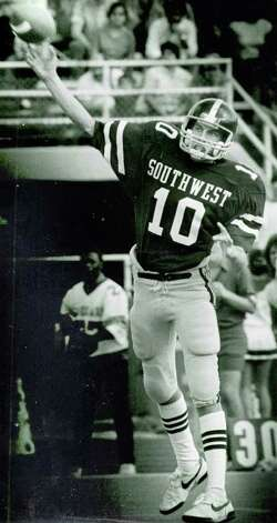 Ty Detmer photographed in high school days at Southwest High School in San Antonio, TX.  San Antonio Express-News File Photo Photo: San Antonio Express-News File Photo, SAN ANTONIO EXPRESS-NEWS / SAN ANTONIO EXPRESS-NEWS