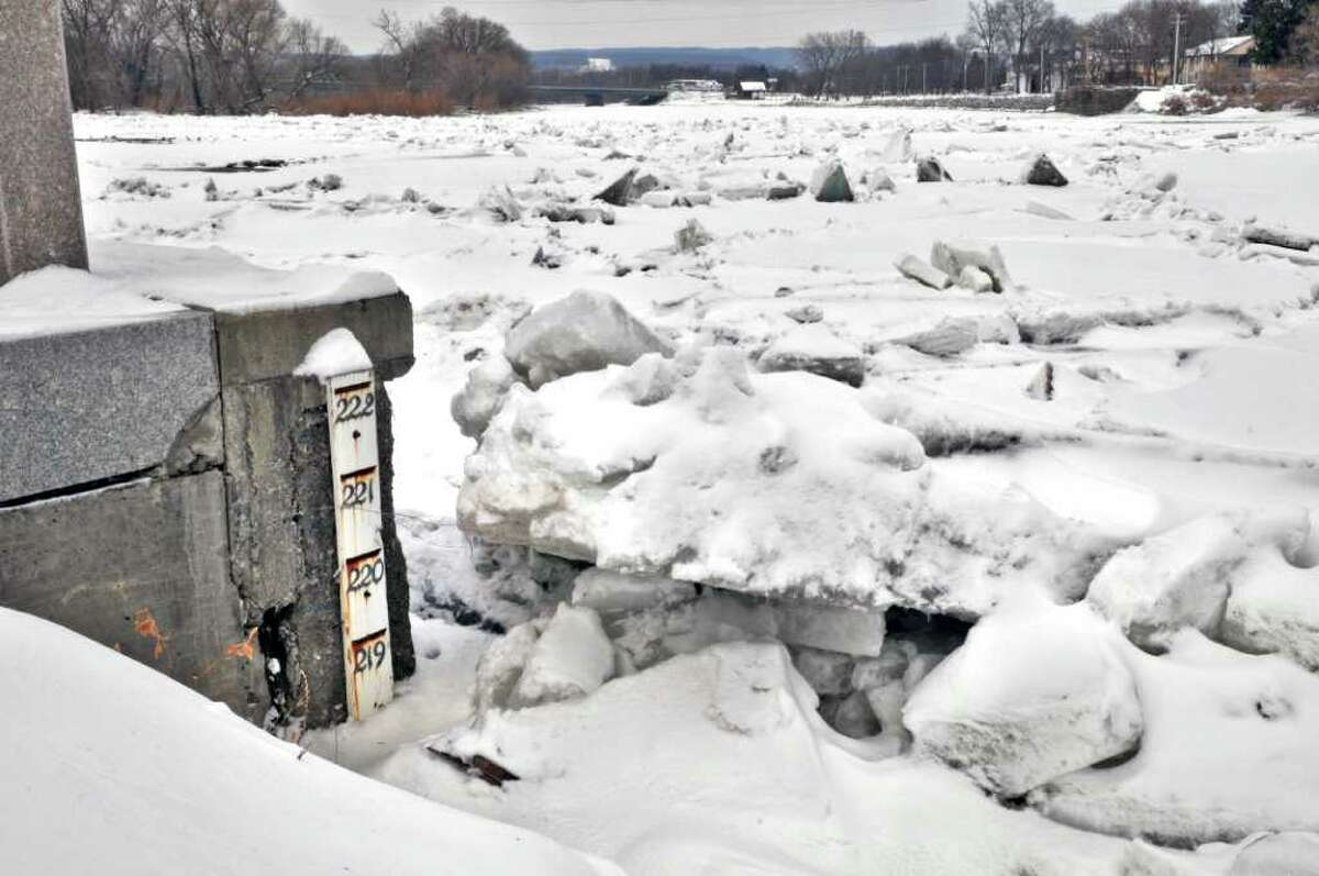 Ice is breaking up in the Mohawk River at Schenectady's Stockade district Wednesday morning March 9, 2011. (John Carl D'Annibale / Times Union)