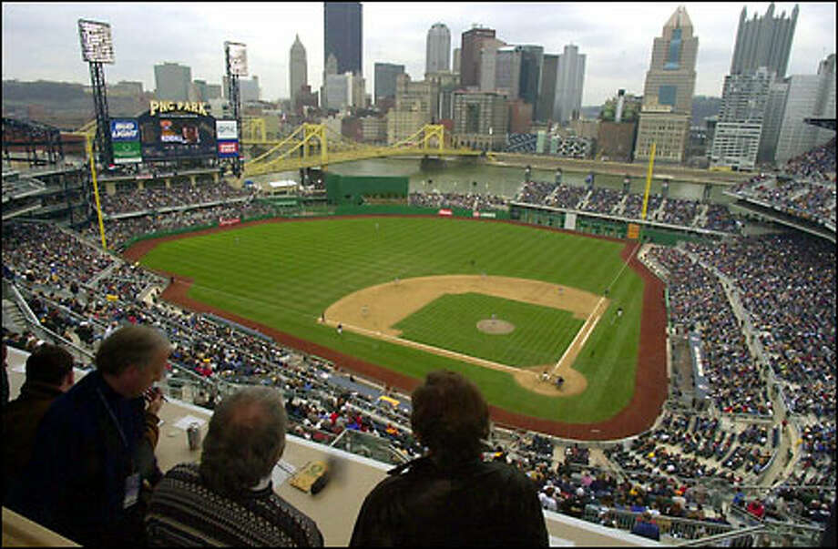 Todd Ritchie is scheduled to throw the first official pitch today at PNC Park in Pittsburgh. Photo: / Associated Press
