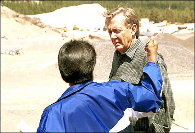 Clinton administration Interior Secretary Bruce Babbitt, right, talks with former Hopi tribal Chairman Ferrell Secakuku during a visit last year to the White Vulcan Mine near Flagstaff, Ariz. Tighter regulations on mining that Babbitt implemented before leaving office might be modified next month. Photo: / Associated Press