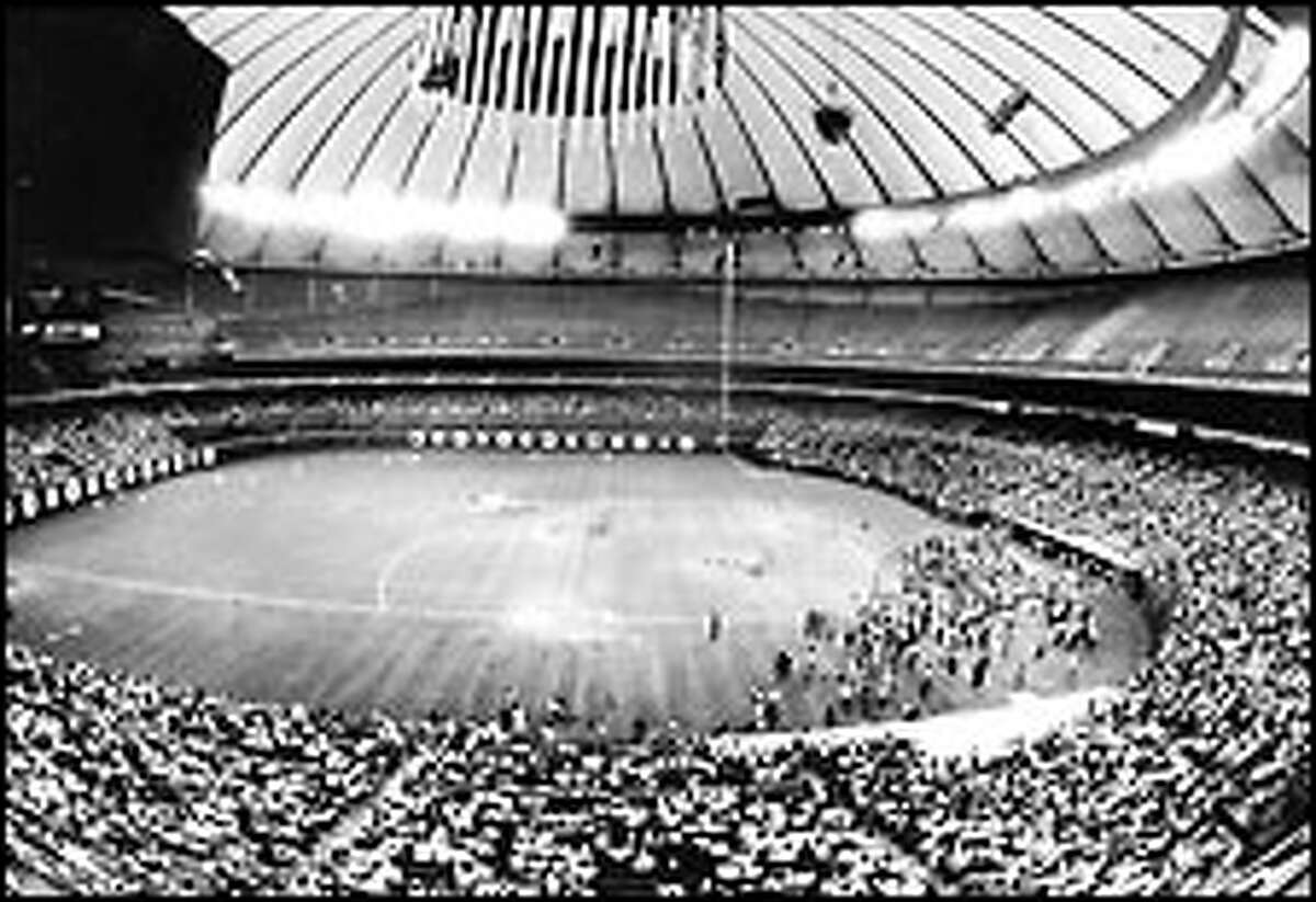 On the day before the 1979 All-Star Game, 10,000 fans showed up at the Kingdome to watch batting practice. Click here for a larger image