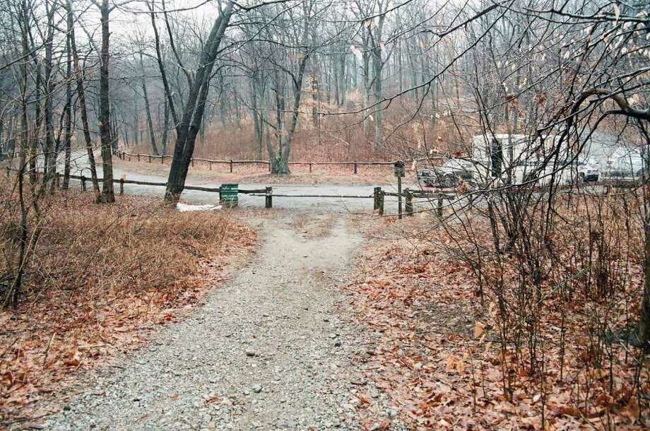 The scene at the Lake Mohegan open space on March 14, 1986, when the body of newborn baby boy was found by Conservation Department workers. Photo: Contributed Photo / Fairfield Citizen