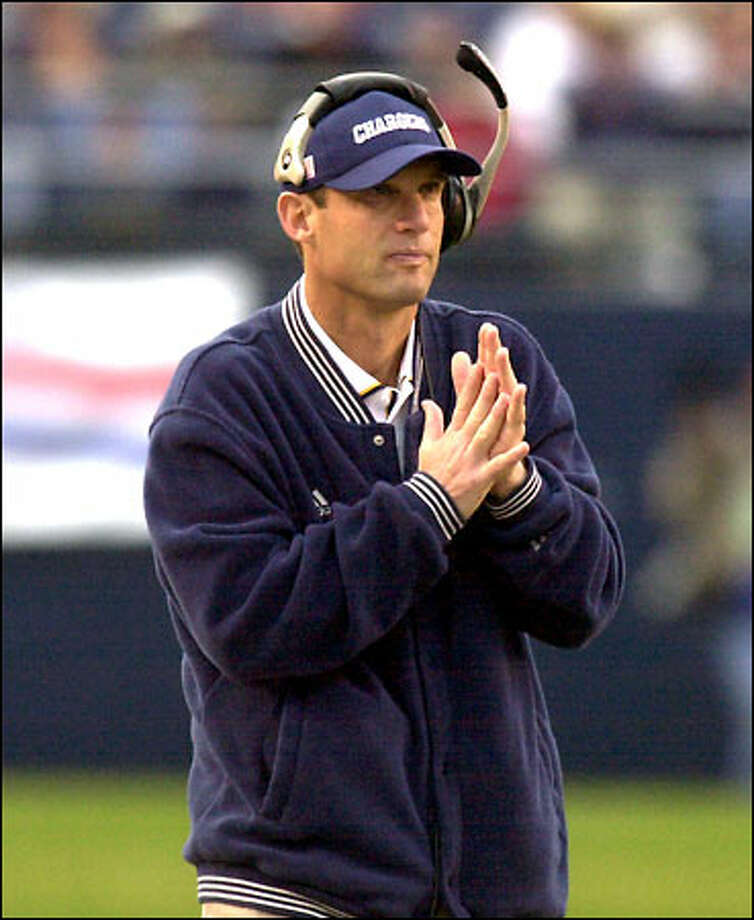 Mike Riley paces the sideline in what may have been his final game as Chargers coach. Photo: / Associated Press