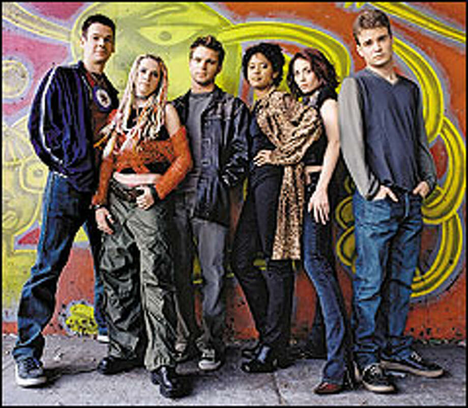 """Friends"" wannabes: Derek Hughes, Emily Corrie, Chris Engen, Tracie Thoms, Adrienne Wilkinson and Robin Dunne in 'As If."" Photo: UPN"