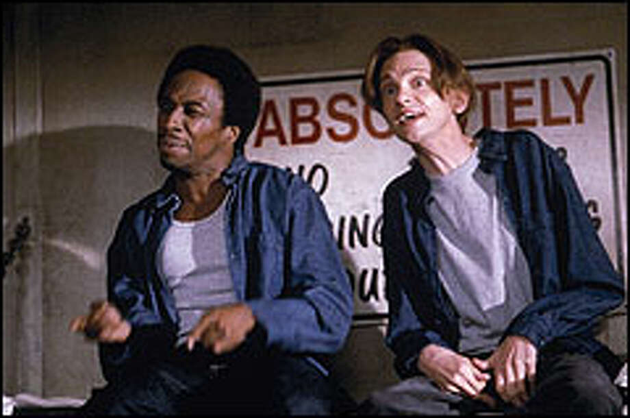 "Luther (Eddie Griffin) and Dizzy (DJ Qualls) make an unlikely pair in prison in the high-concept, low-humor teen movie, ""The New Guy."" Photo: VAN REDIN"