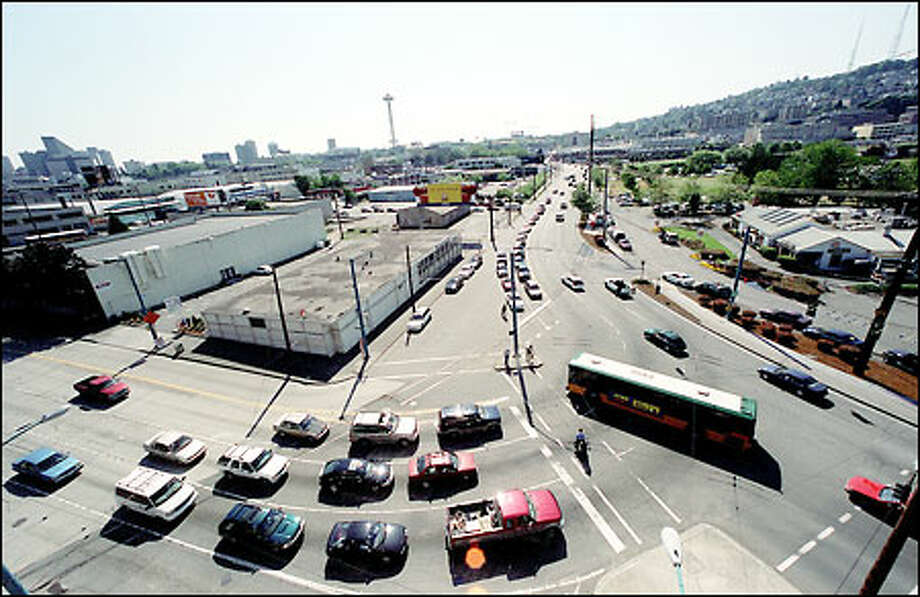The area that might be served by streetcars would include Valley Street, shown here looking to the west. Lake Union is to the right, out of the picture. Photo: Grant M. Haller/Seattle Post-Intelligencer