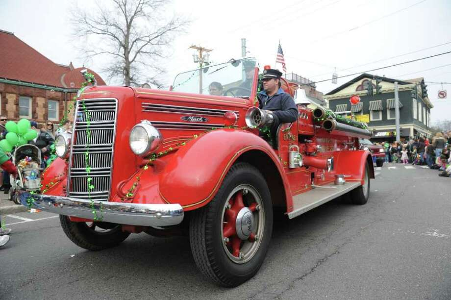 Milford's St. Patrick's Day Parade moves through dowtown Milford, Conn. Saturday, March 12, 2011. Photo: Autumn Driscoll / Connecticut Post