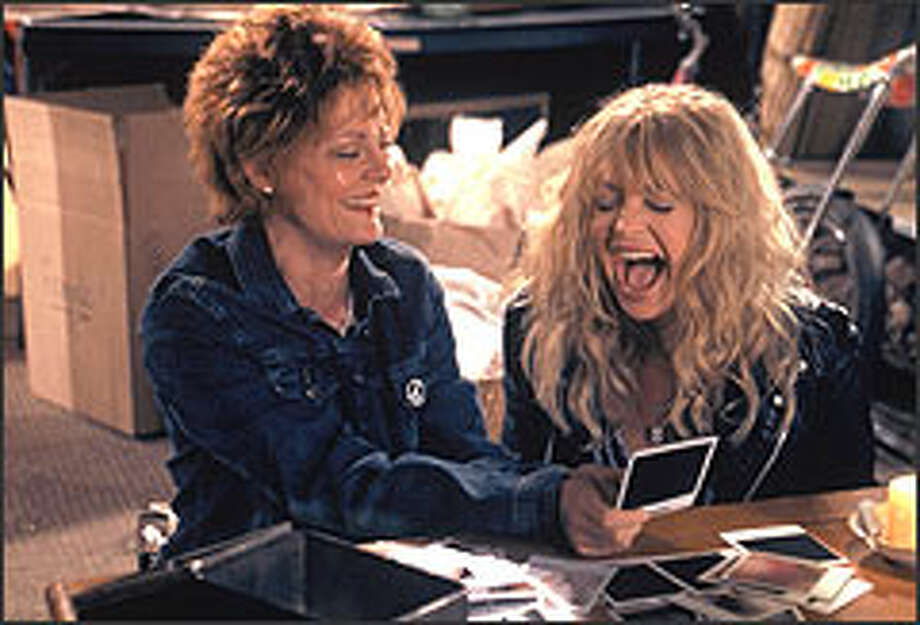 Vinnie (Susan Sarandon) and Suzette (Goldie Hawn) reminisce about their rock 'n' roll days. Photo: HOLLY STEIN