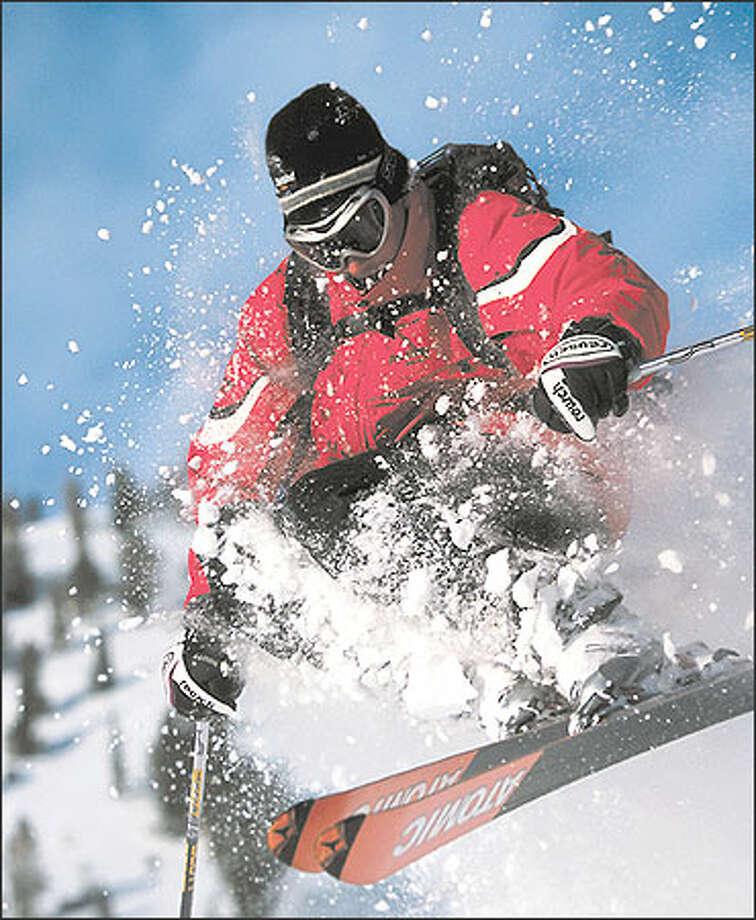 The Atomic R:11 is an all-terrain expert ski.