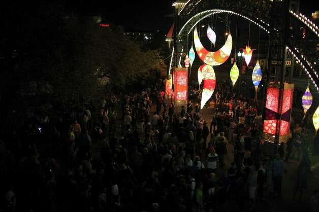 Crowds attend Luminaria 2011  in HemisFair Park on Saturday, March 12, 2011. Photo: Edward A. Ornelas/Express-News / SAN ANTONIO EXPRESS-NEWS NFS