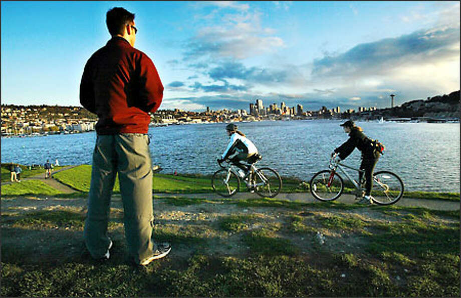 Gas Works Park on Lake Union was dingy industrial land bought by the city from Washington Natural Gas and transformed into a park in 1975. Photo: Paul Joseph Brown/Seattle Post-Intelligencer