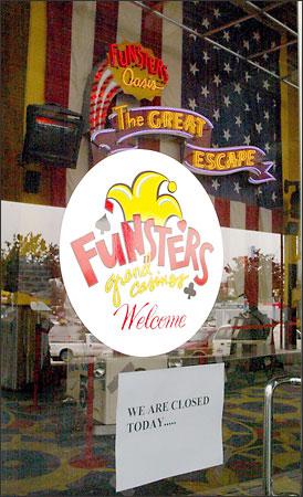 Funsters casino seattle buffalo run casino concert