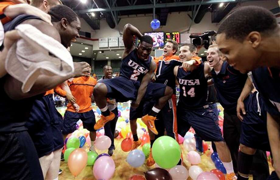 UTSA's Kalif Bakare (2) celebrates with teammates after defeating McNeese State in the Southland Conference tournament championship game. (David J. Phillip/Associated Press) / AP2011