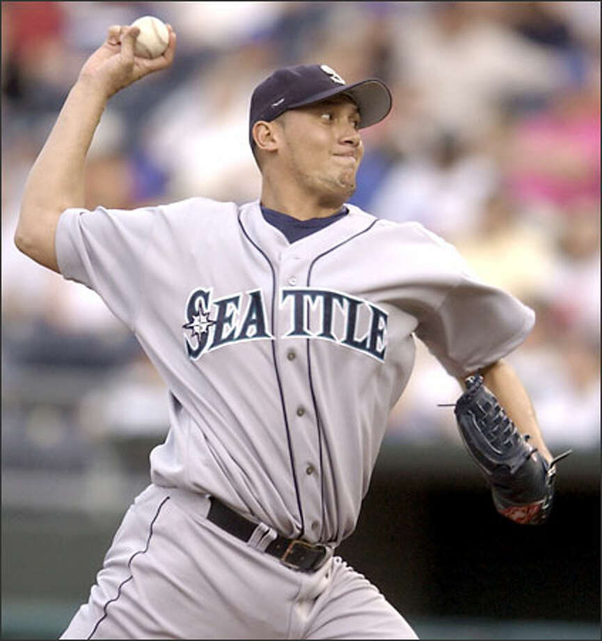 Mariners starter Freddy Garcia went seven innings, snapping a three-game losing streak. Photo: ED ZURGA/AP