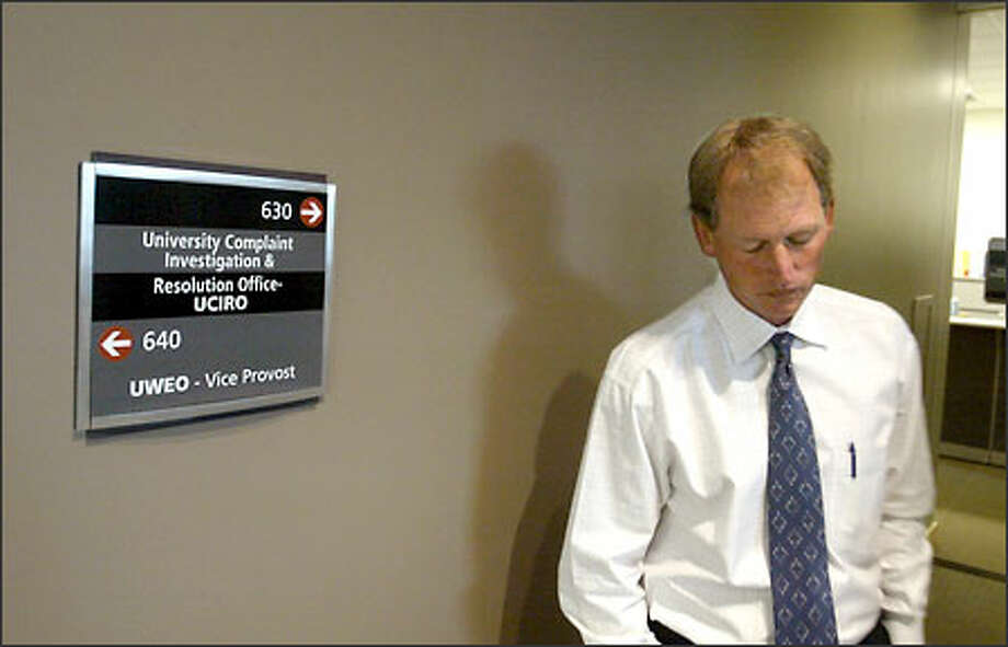 Embattled University of Washington football coach Rick Neuheisel looks distraught after leaving a meeting at the UW's Complaint Investigation & Resolution Office. Photo: Scott Eklund/Special To The Seattle Post-Intelligencer