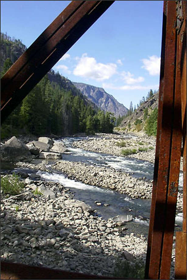 Penstock Trail is short and pleasant any time of year. Photo: Karen Sykes/Special To The P-I