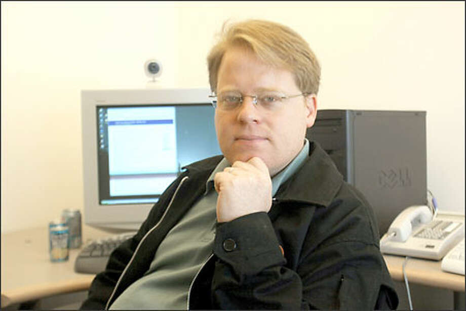Robert Scoble is one of hundreds of Microsoft employees who publish blogs. He says the company keeps an eye on what is posted online. Photo: Phil H. Webber/Seattle Post-Intelligencer