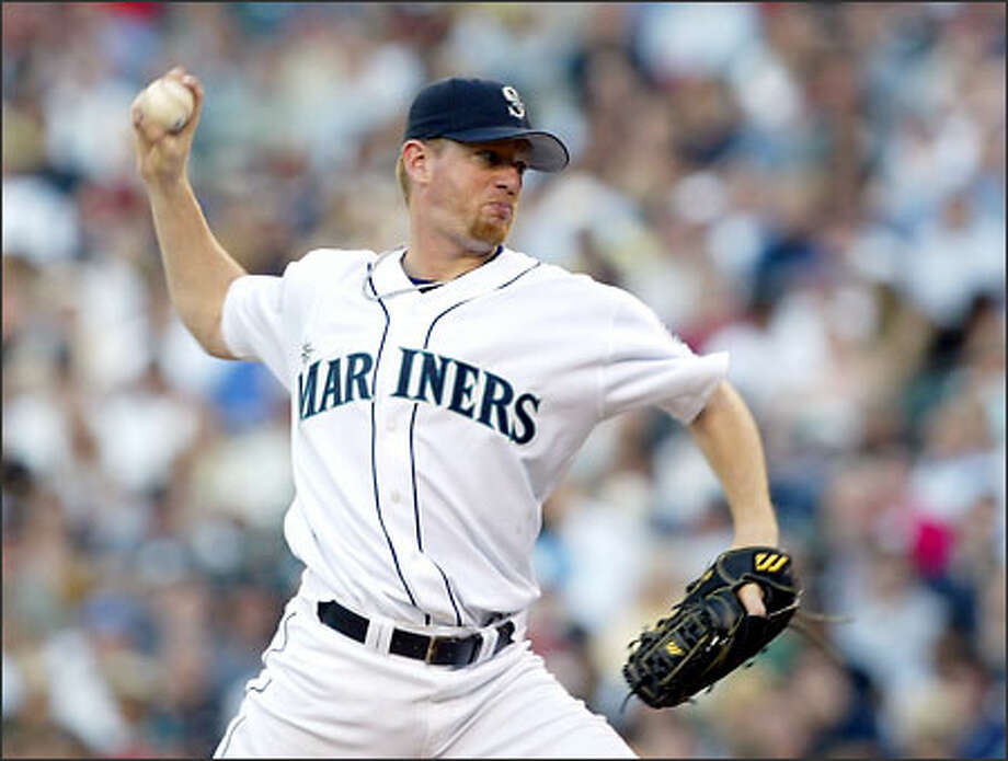 Mariners starter Ryan Franklin pitched 6 2/3 fairly effective innings last night, but gave up a two-out, two-run homer to Tony Batista in the sixth inning. Photo: David Bitton/Seattle Post-Intelligencer